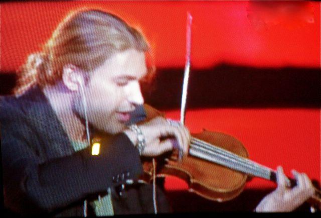 http://www.david-garrett-fans.com/20110601_davidgarrett_RAIUNO/20110601_8_davidgarrett_RAIUNO.jpg